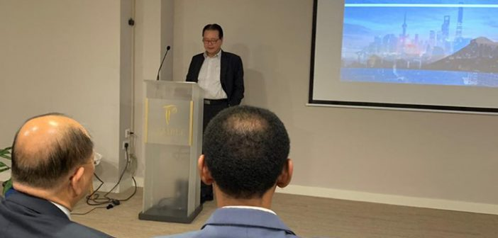 Talk on China-Mauritius-Africa investment.